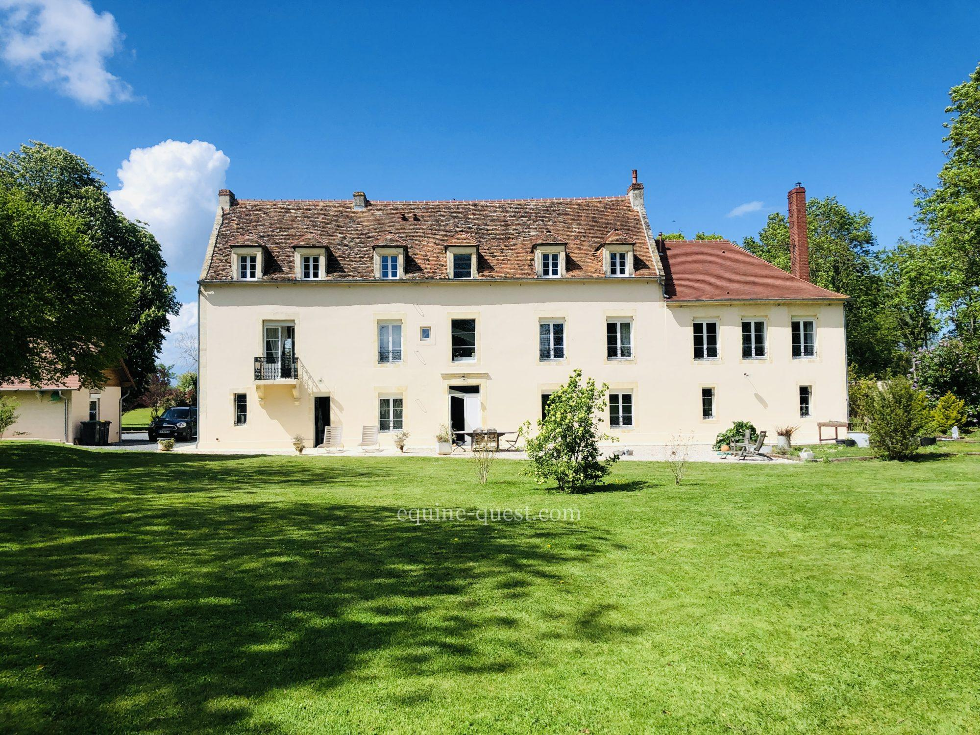 Standing manor property- Caen area – 4 hectares